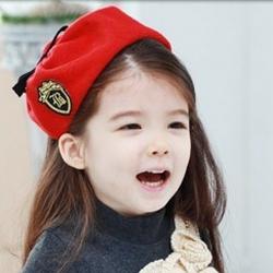 ht - cap 69R ที่คาดผมคุณหนู ติดหมวกสีแดง สไตล์เกาหลี